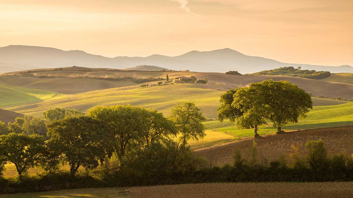 early-morning-in-tuscany